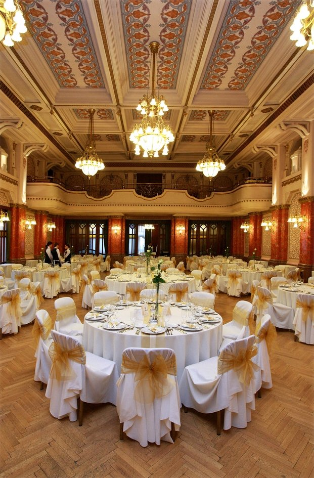 Bart%C3%B3k+hall+wedding - Hotel+Palatinus+City+Center+ - hotel P%C3%A9cs