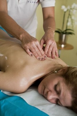 Massage - Danubius+Health+Spa+Resort+S%C3%A1rv%C3%A1r - hotel S%C3%A1rv%C3%A1r