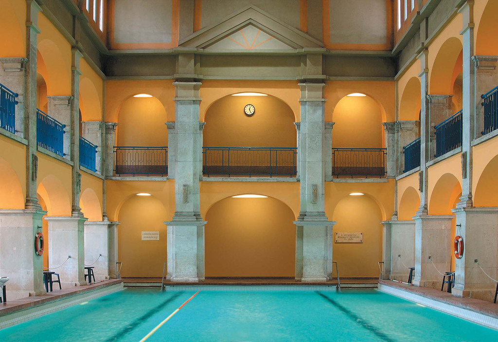 Rudas Thermal Bath Indoor Pool