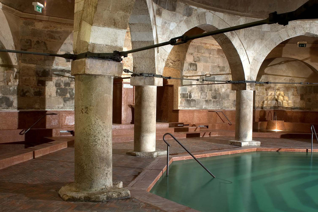 Rudas Thermal Bath Indoor Pool 2