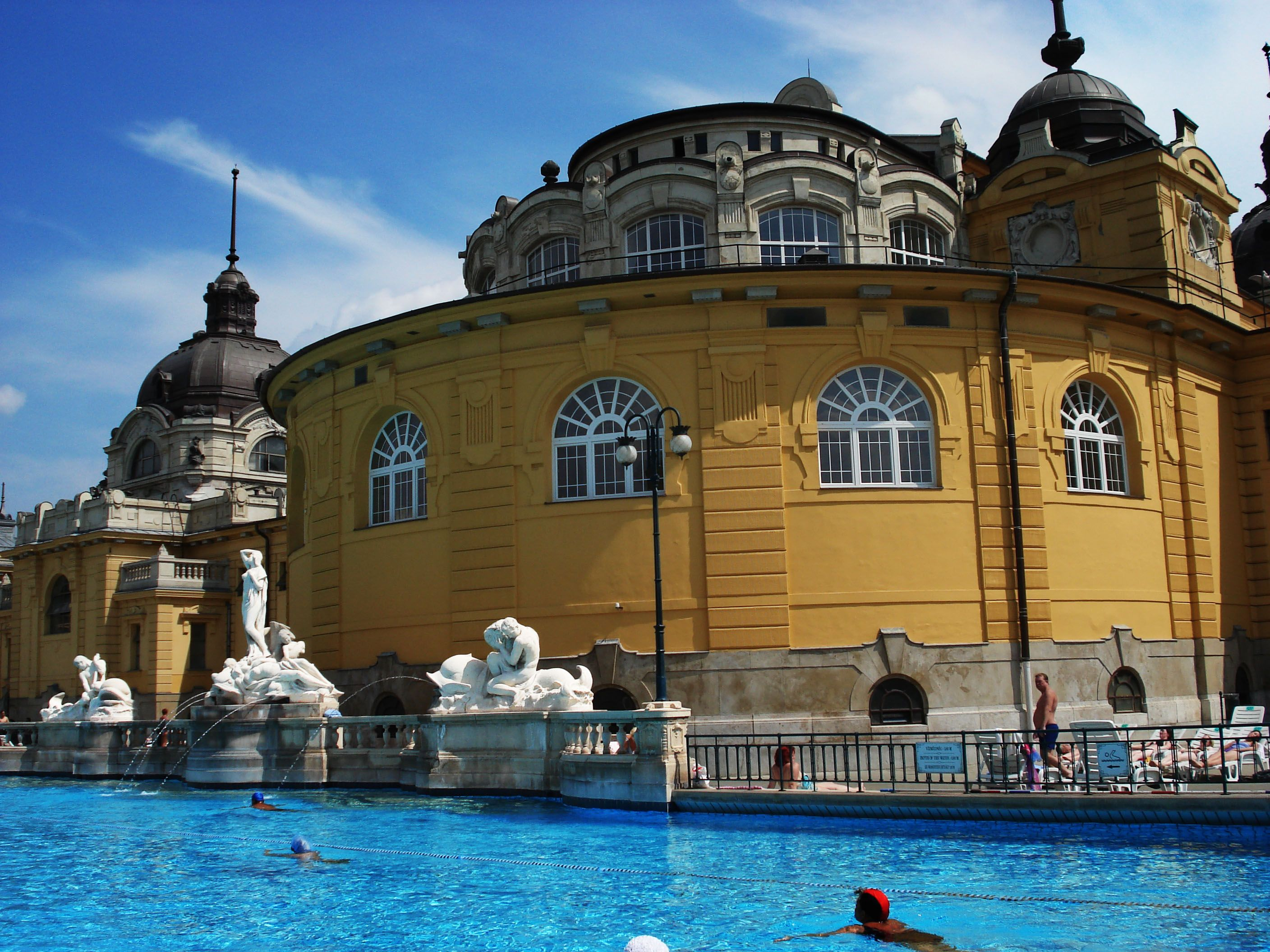 Széchenyi Bath with Outdoor Pool