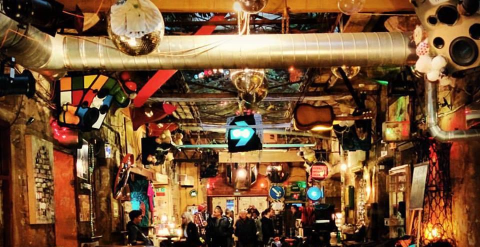 Szimpla kert Pub