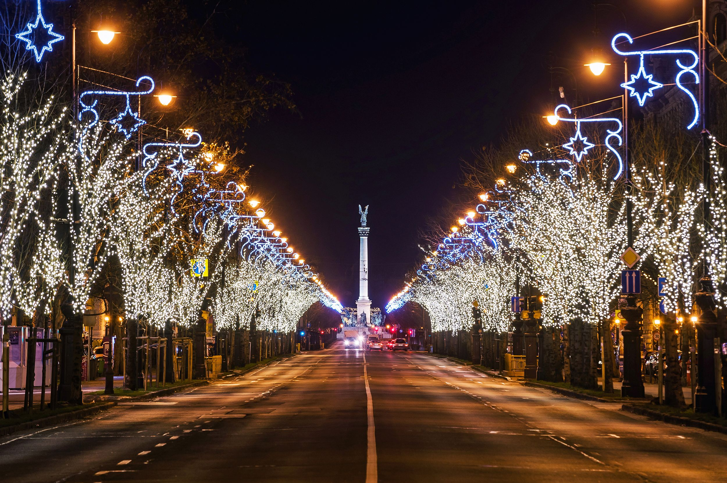 christmas lights Budapest Andrássy street