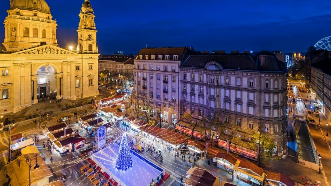 Budapest Christmas Market 2018.Christmas And New Year S Eve In Budapest