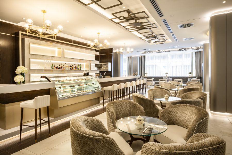 Zsolnay Café