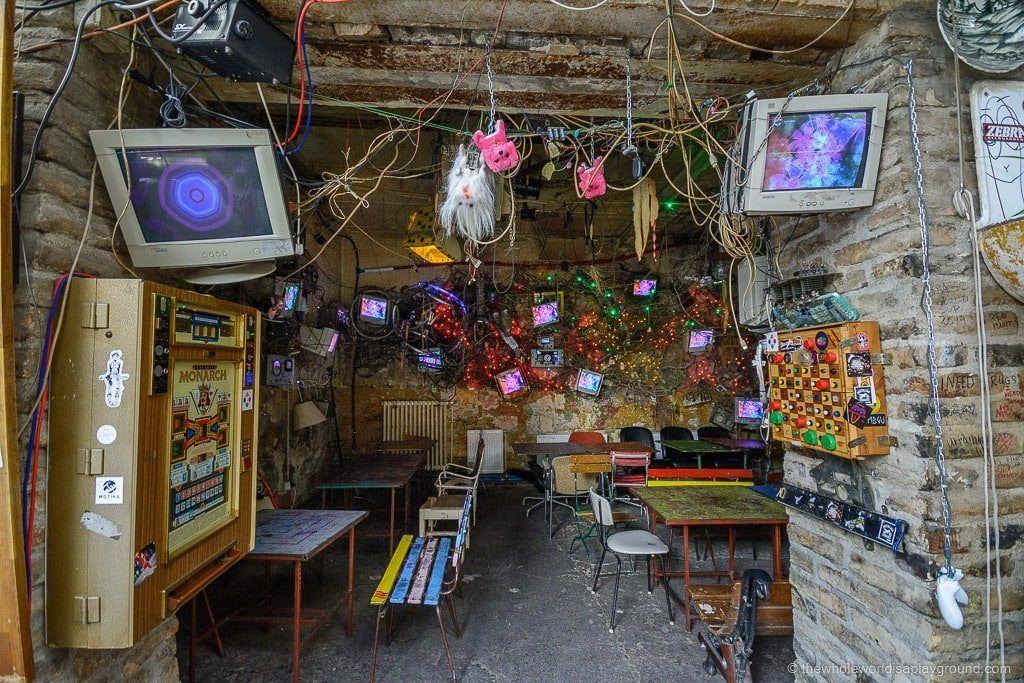 Szimpla-Kert-Ruin-Bar-Budapest-5