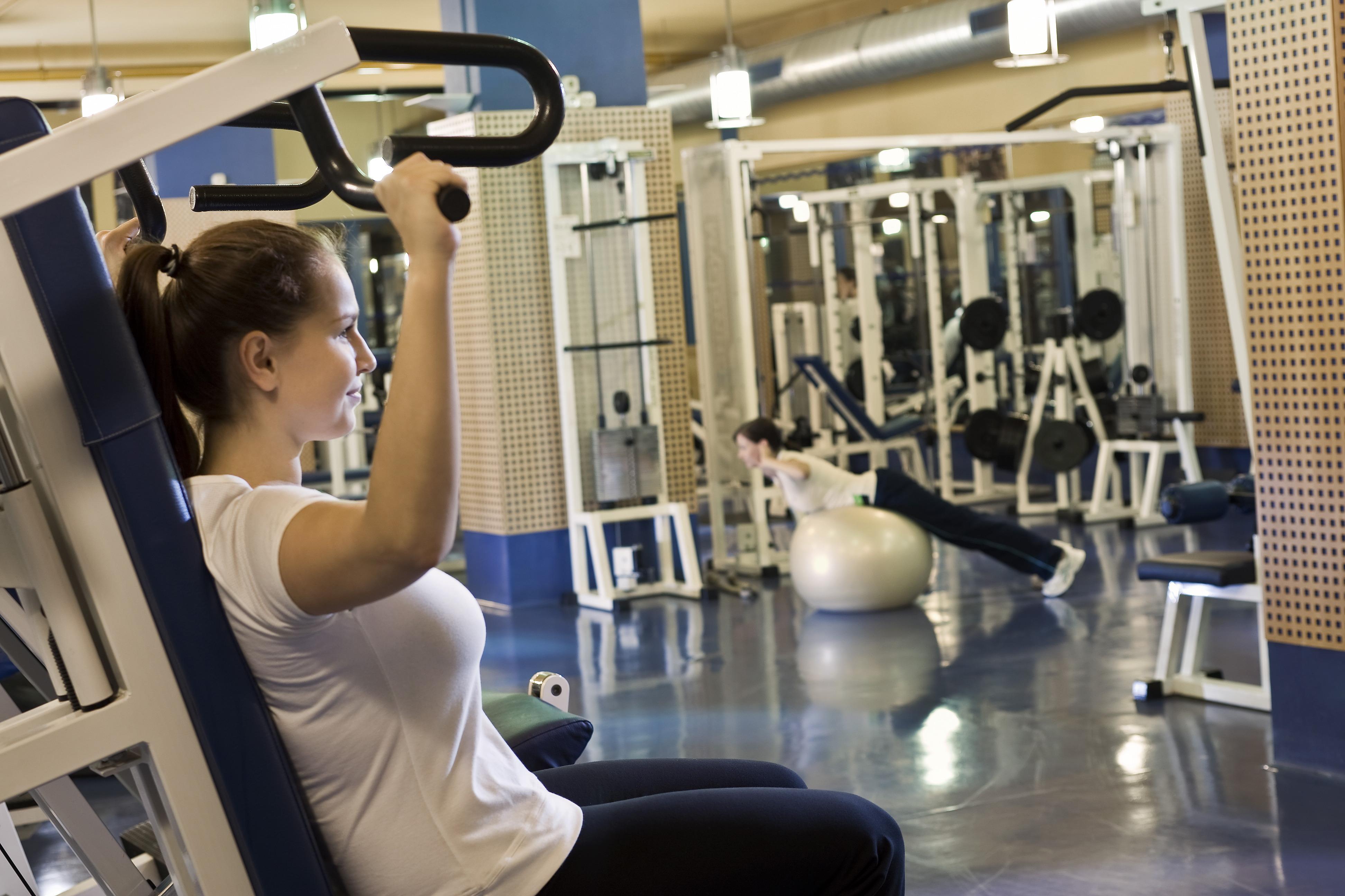 Edzés a Danubius Premier Fitness teremben