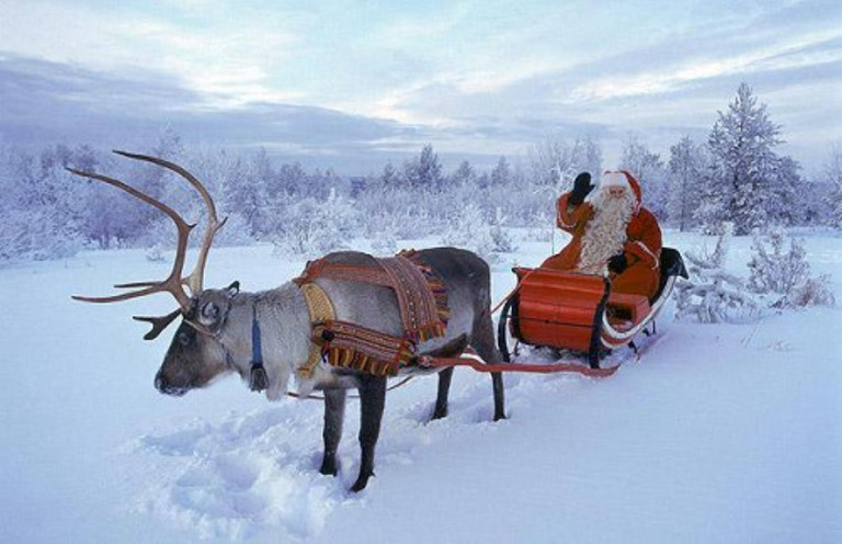 Mikulás szánon Finnországban