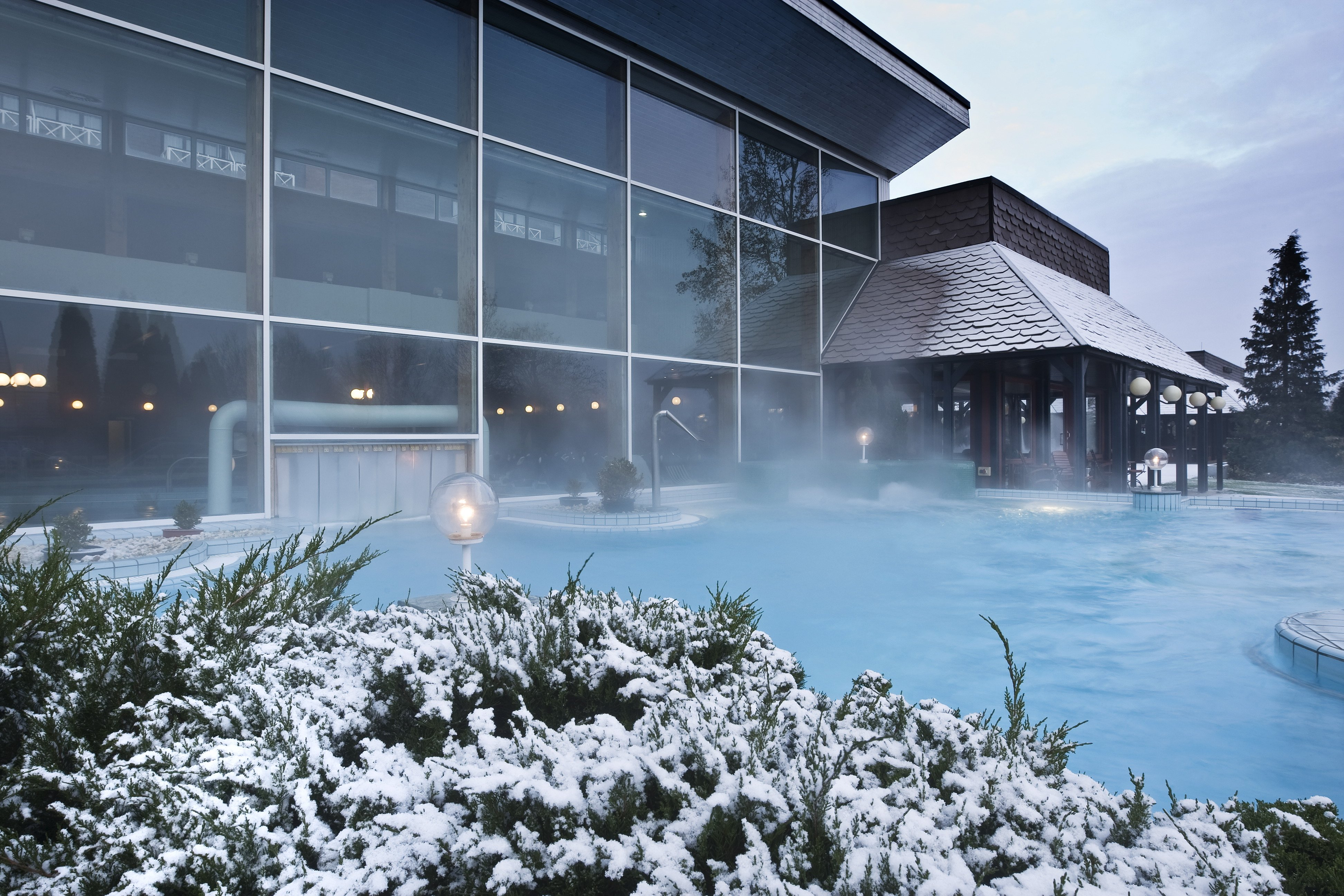 Danubius Health Spa Resort Bük külső medence télen