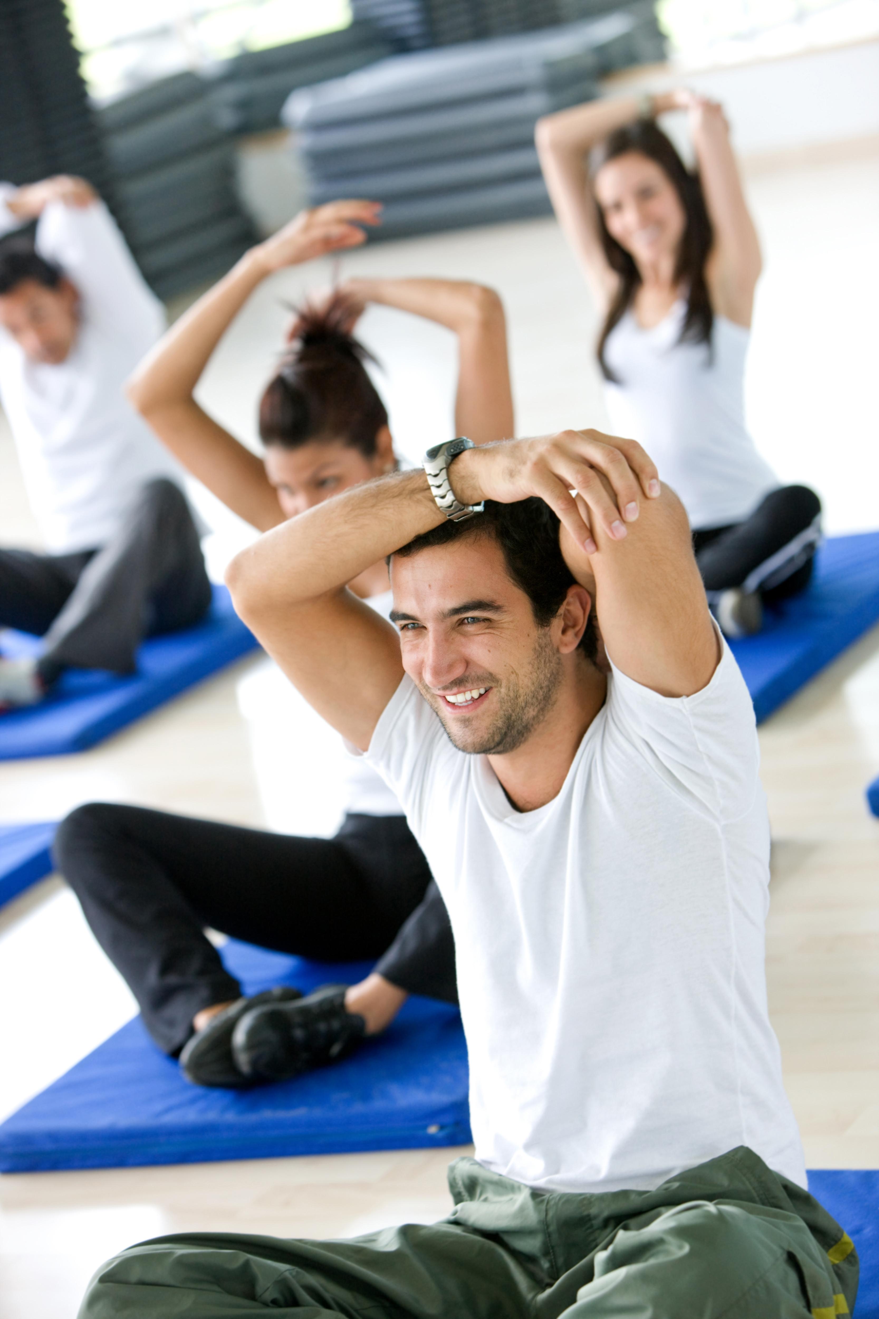 csoportos edzés és nyújtás