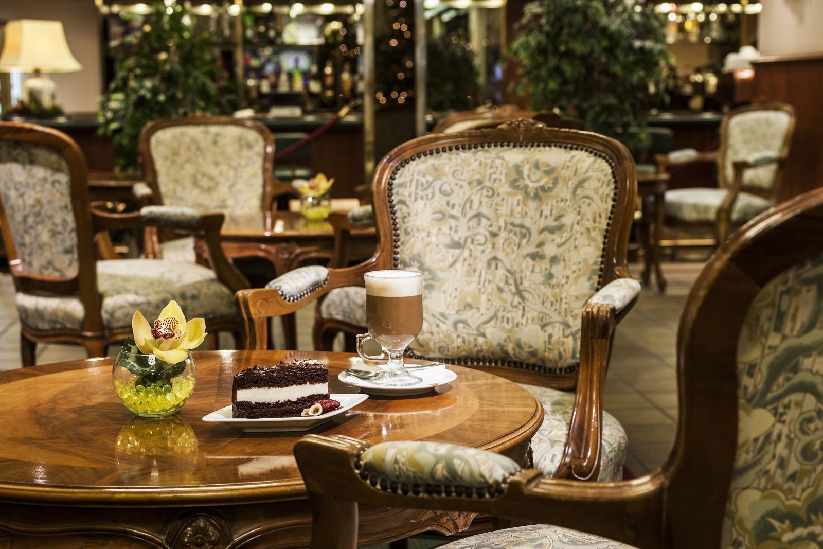 Hotel Hungaria City Center kávézó