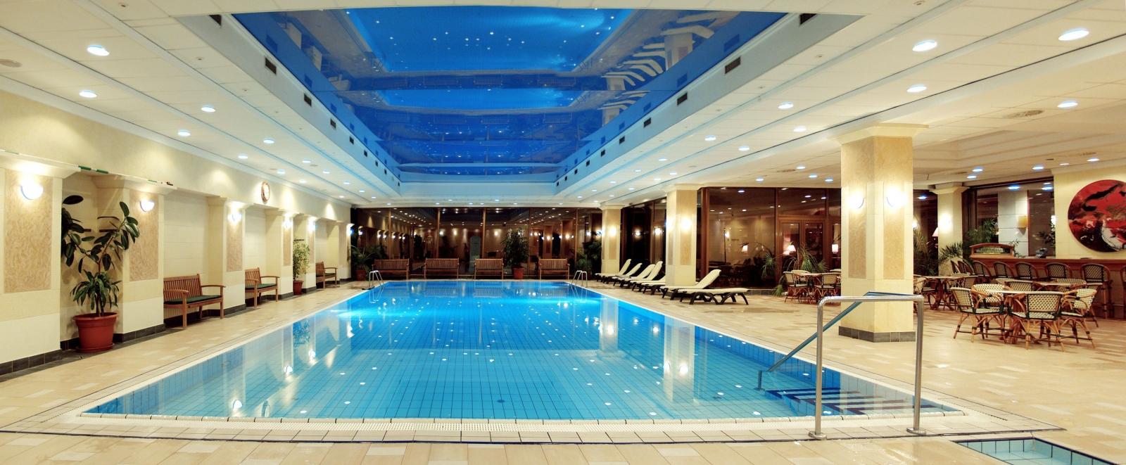 Danubius Health Spa Resort Margitsziget Úszómedence