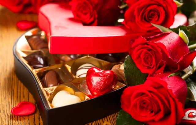 Bonbon és vörös rózsa Valentin napra