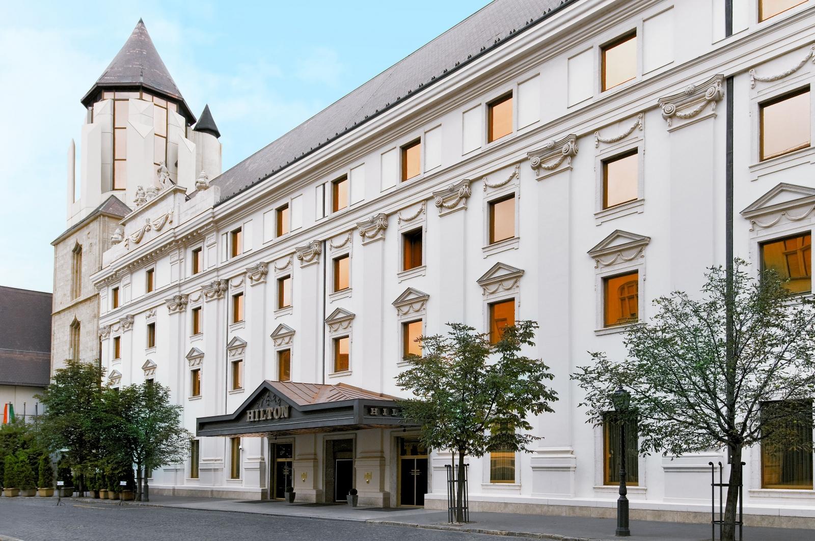 Hilton Budapest - A szalloda bejarata