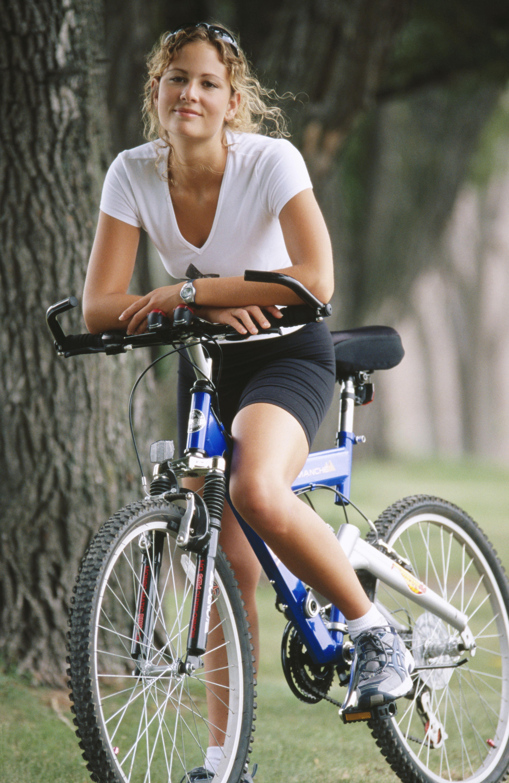 Biciklis lány