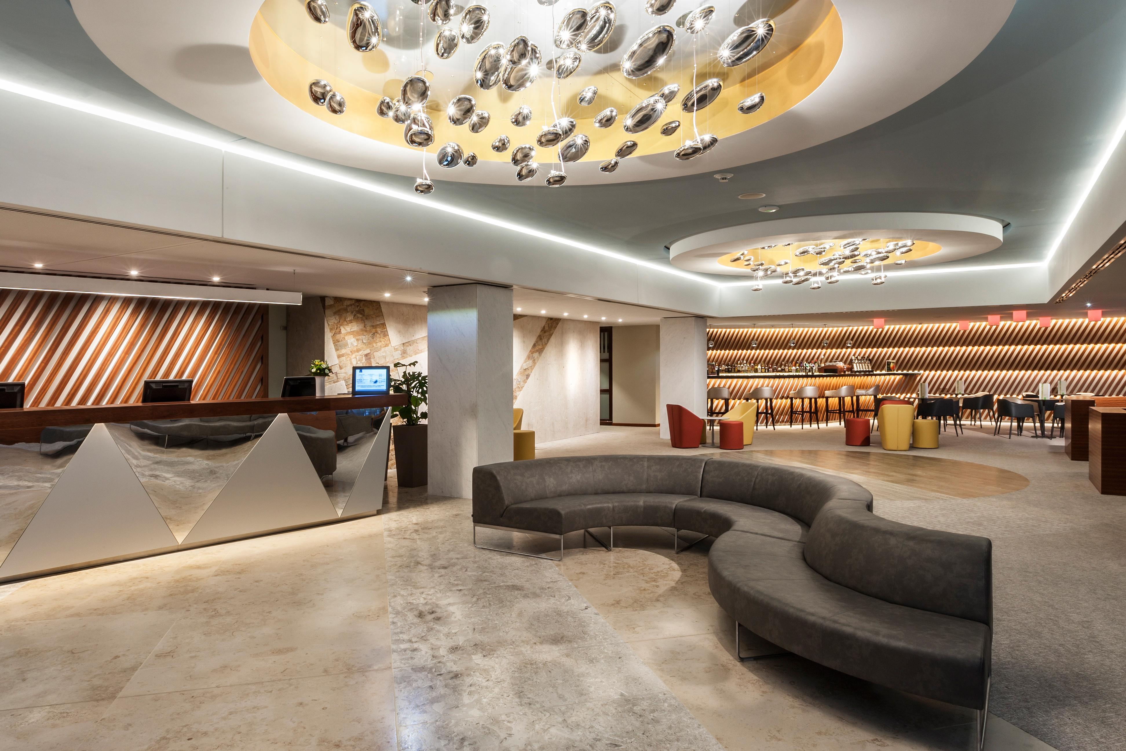 Hotel Aqua Hévíz lobby