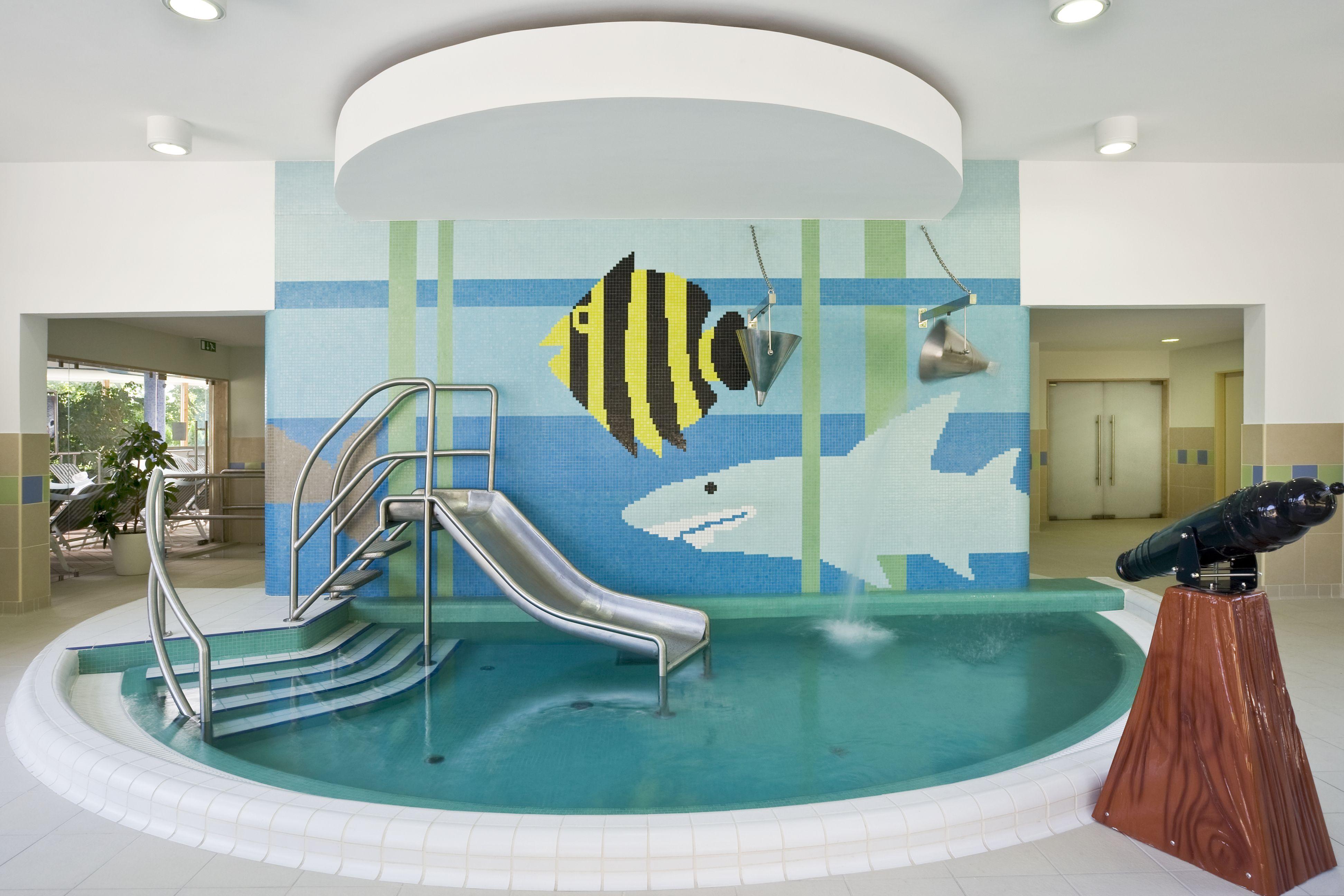 Hotel Aqua Hévíz gyermek medence tér