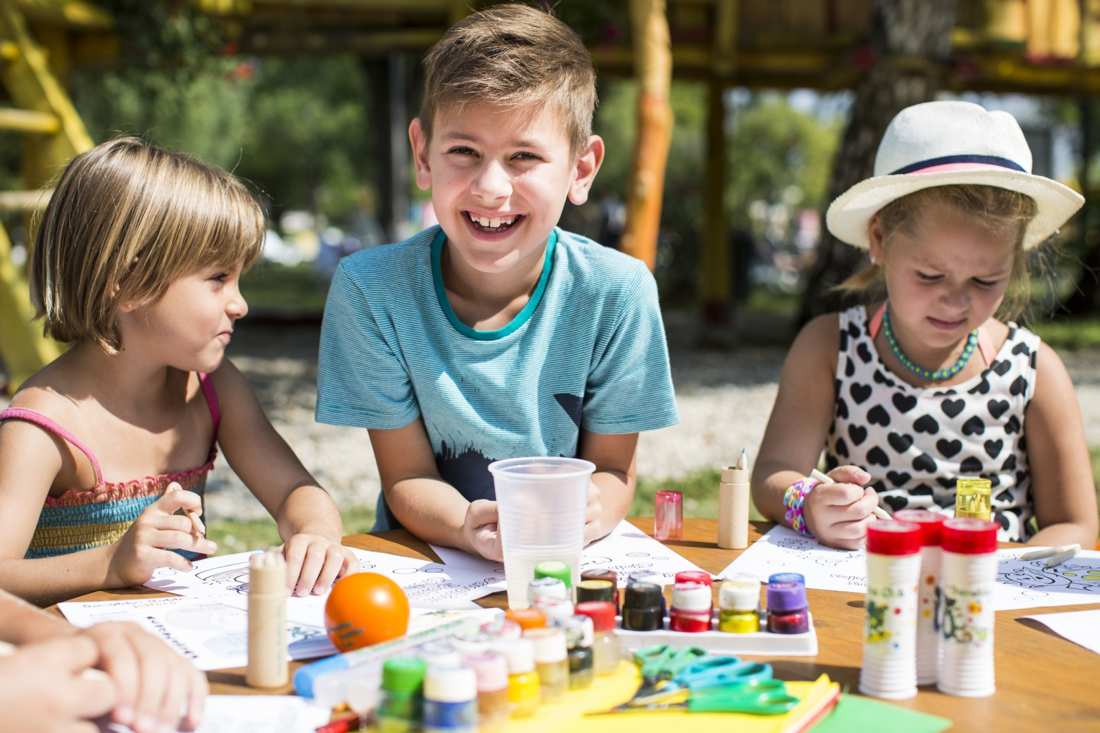 Játékos gyermeknapi programok 2016