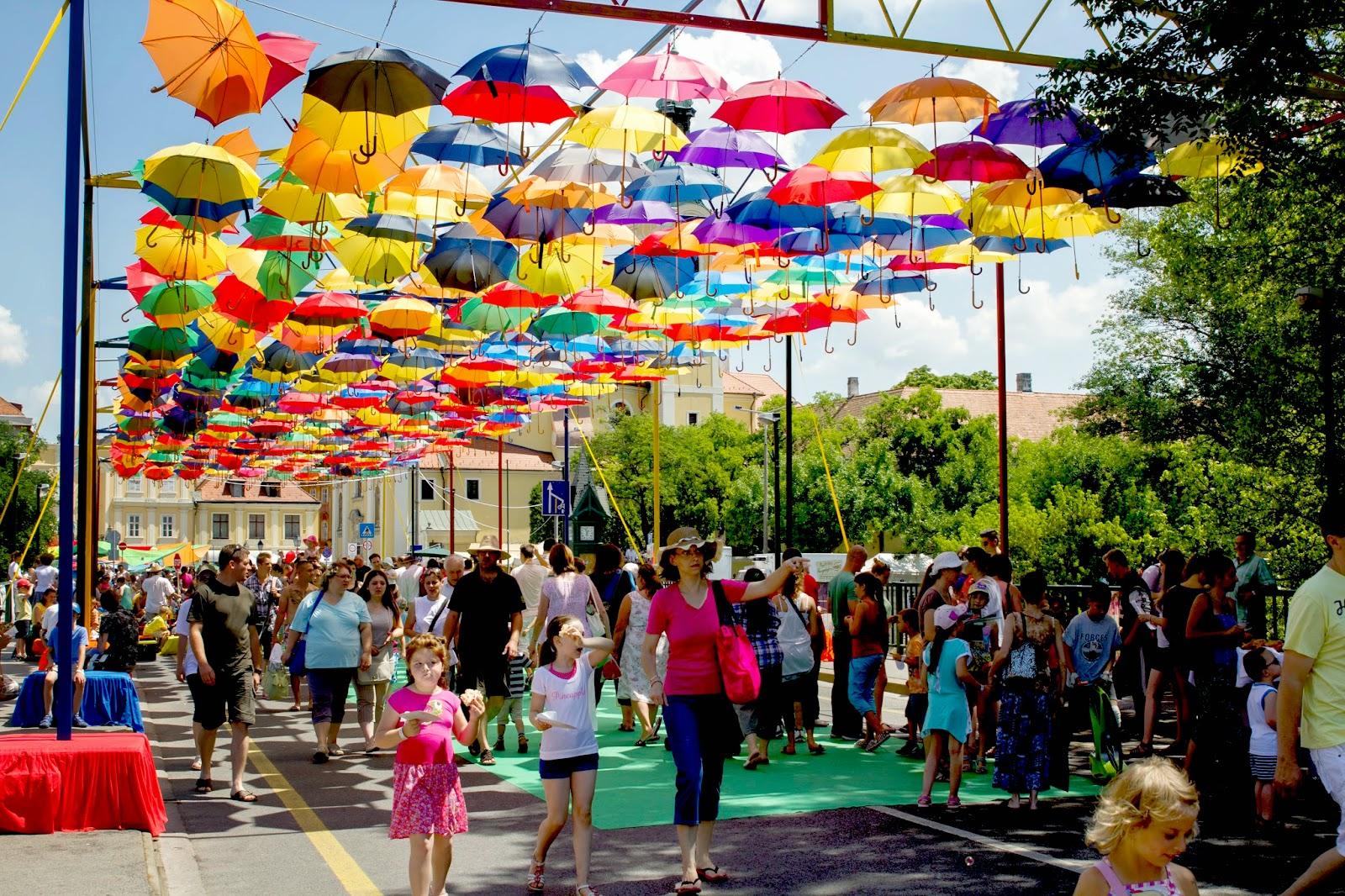 Győrkőcfesztivál 2016 színes esernyők
