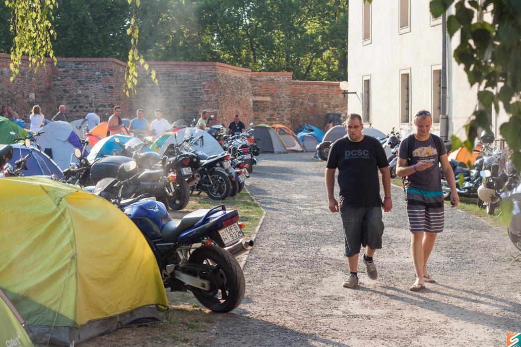 Vármeeting Motoros Találkozó_táborlakók