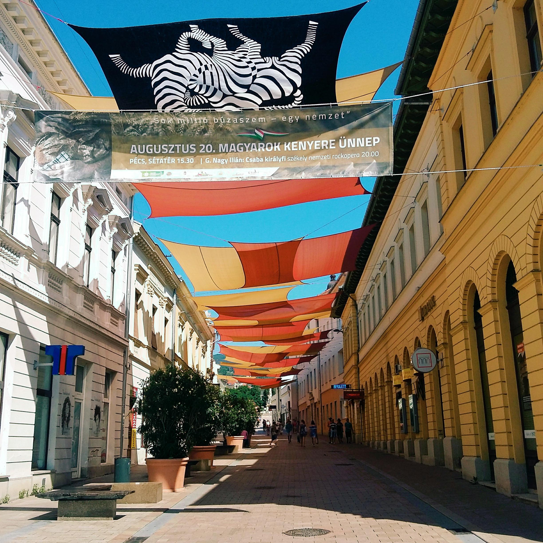 Pécsi sétálóutca