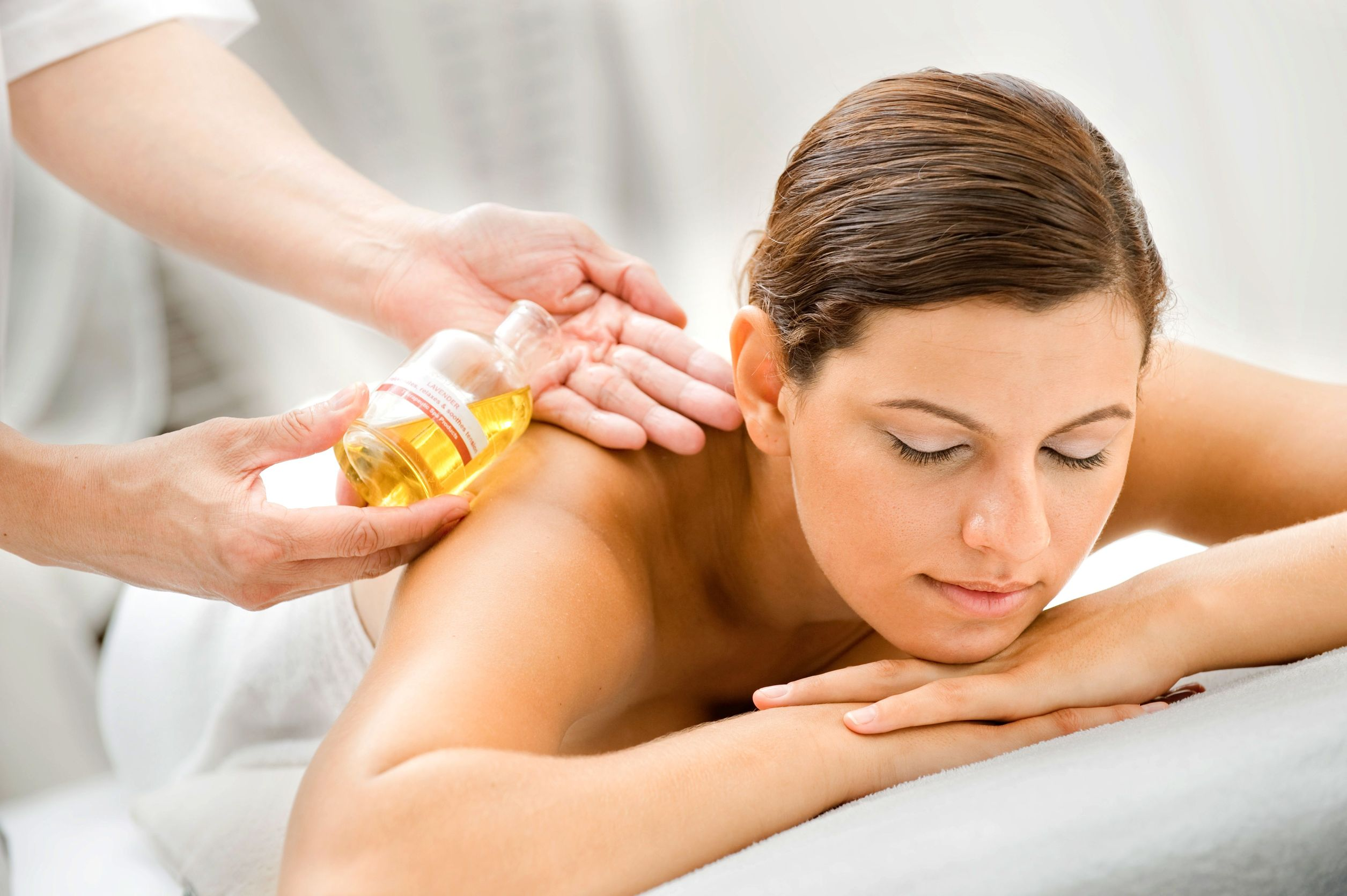 massage-with-oil