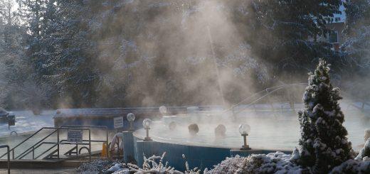 téli medencés kép