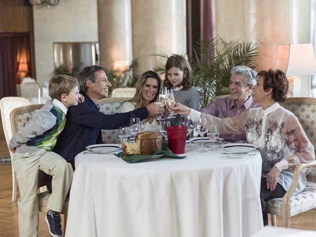 Családi ünnepi ebéd a szállodában