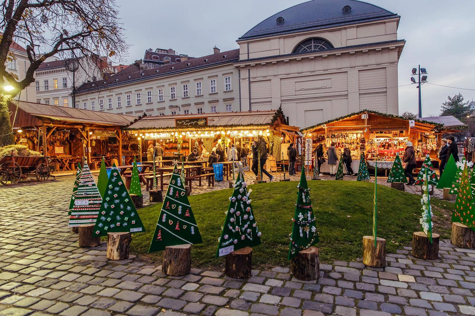 Városháza tér