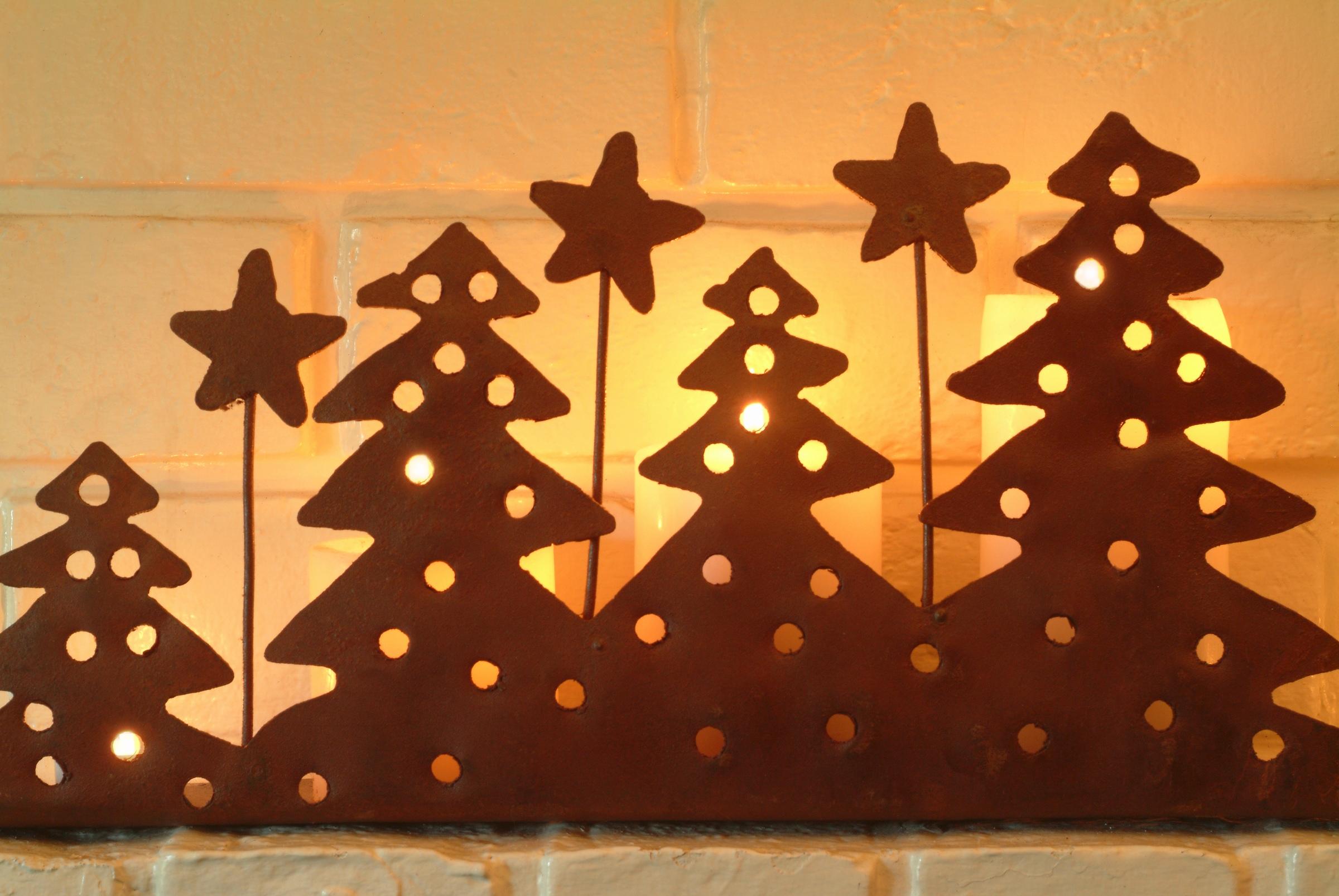 Karácsonyfák papír mécses