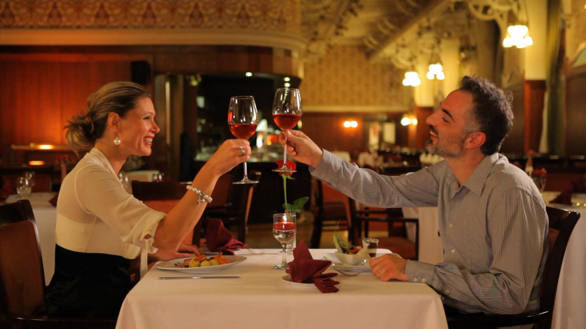 Ünnepi vacsora a Hotel Palatinus éttermében