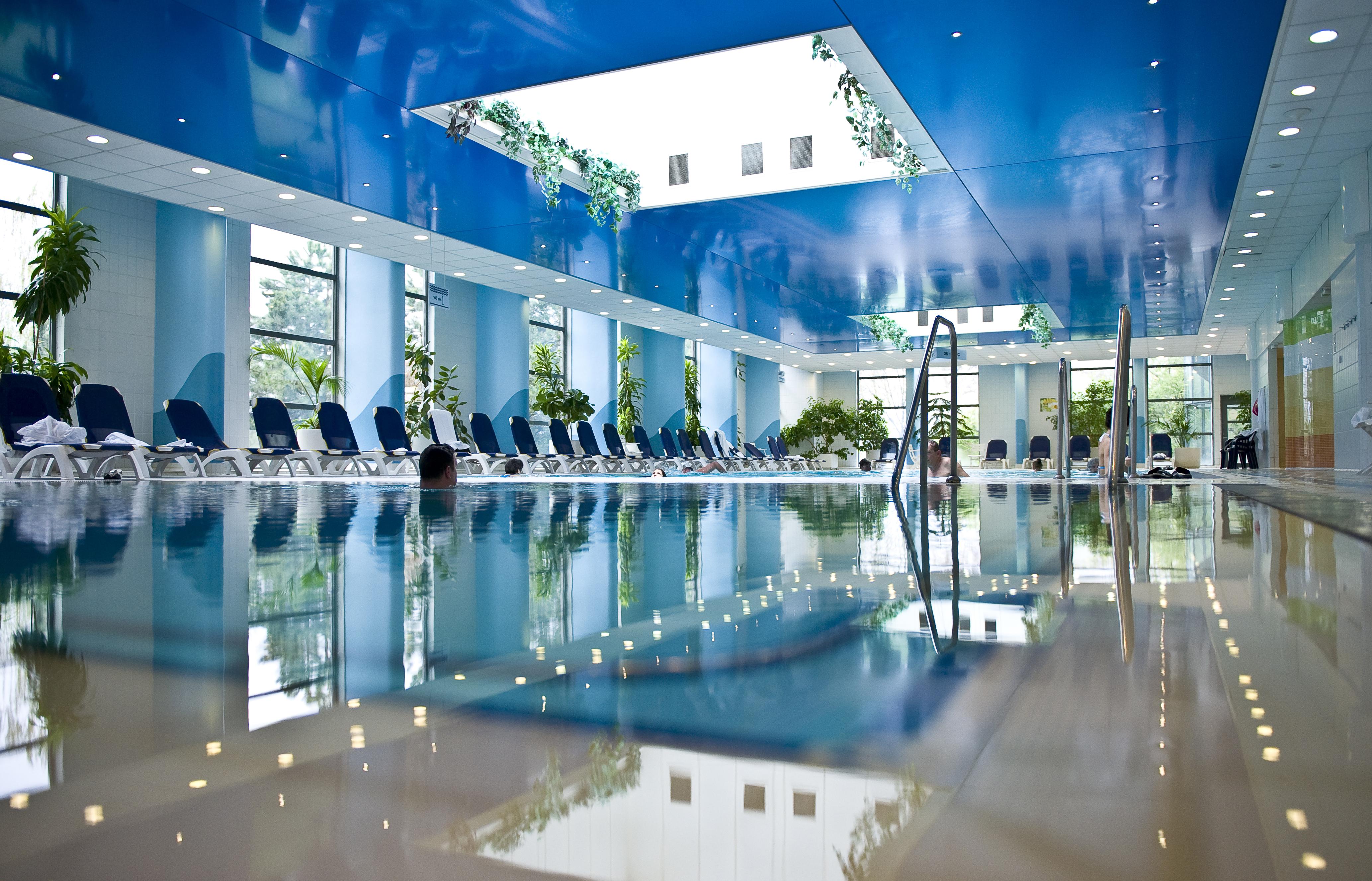 Danubius Hotel Helia medencék