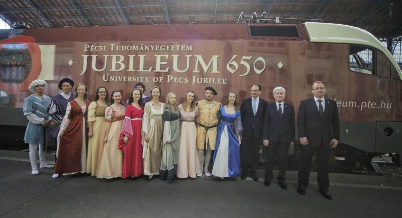PTE Jubileumi mozdony ünnepélyes átadó