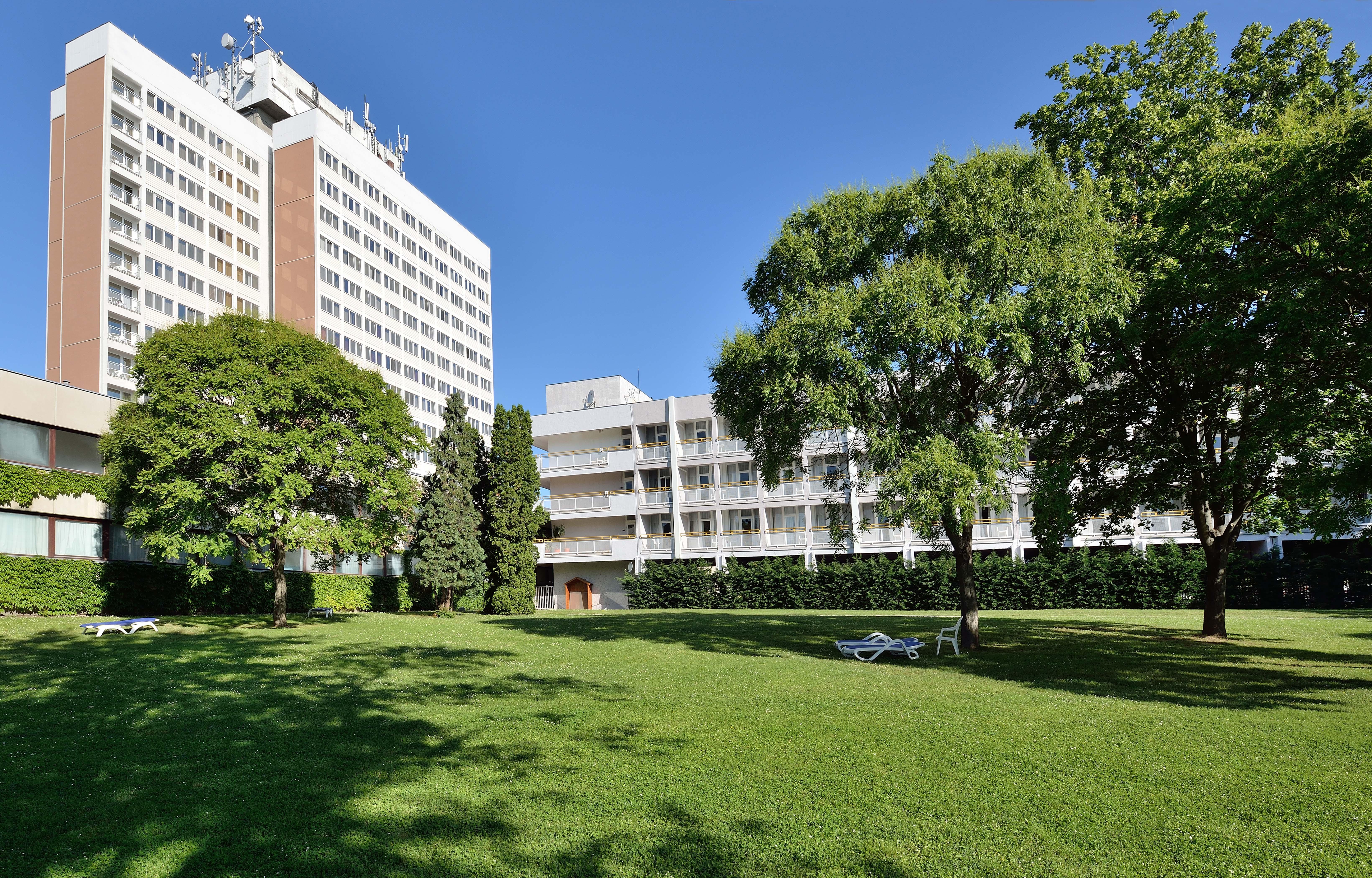 Hotel Marina főépület és Lido