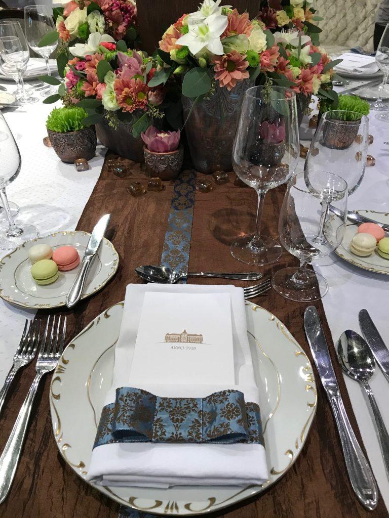 Esküvői teríték a Hotel Astoriában