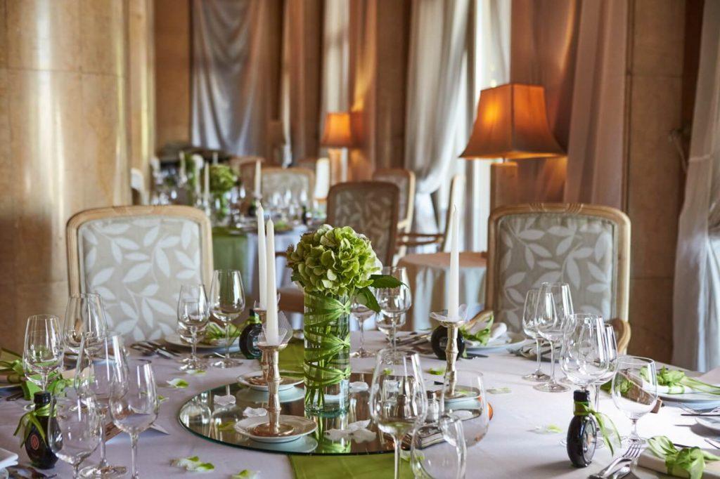 Esküvői asztalteríték a Gellértben