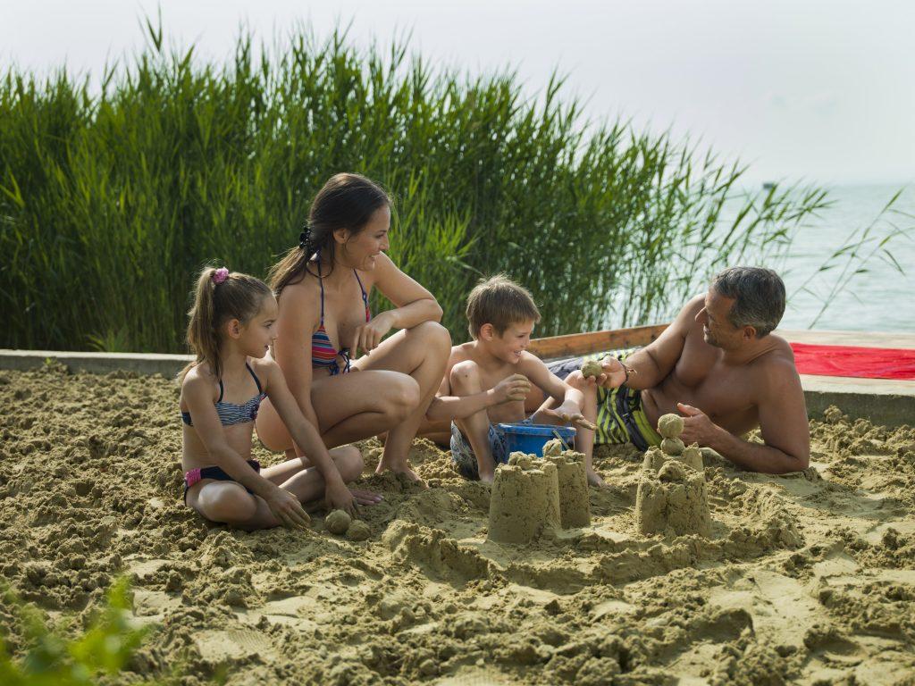 kedvezményes családi nyaralás a Balaton parton