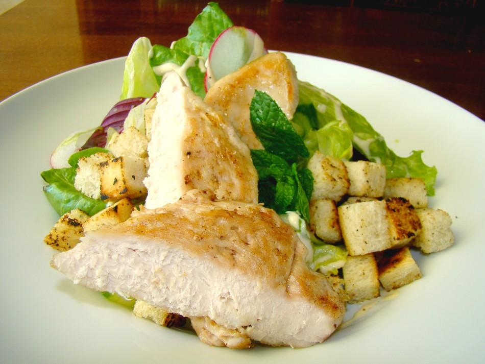 Caesar saláta csirkemellel