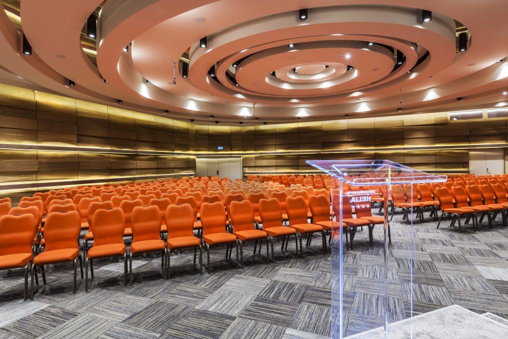 400 fős konferenciaterem a Danubius Hotel Helia szállodában