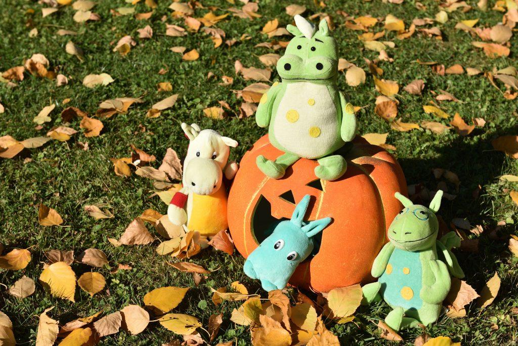 Bubbles sárkányok Halloweenre készülnek