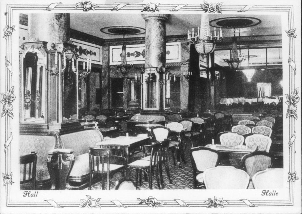Az Astoria Szálló lobbyja egykor