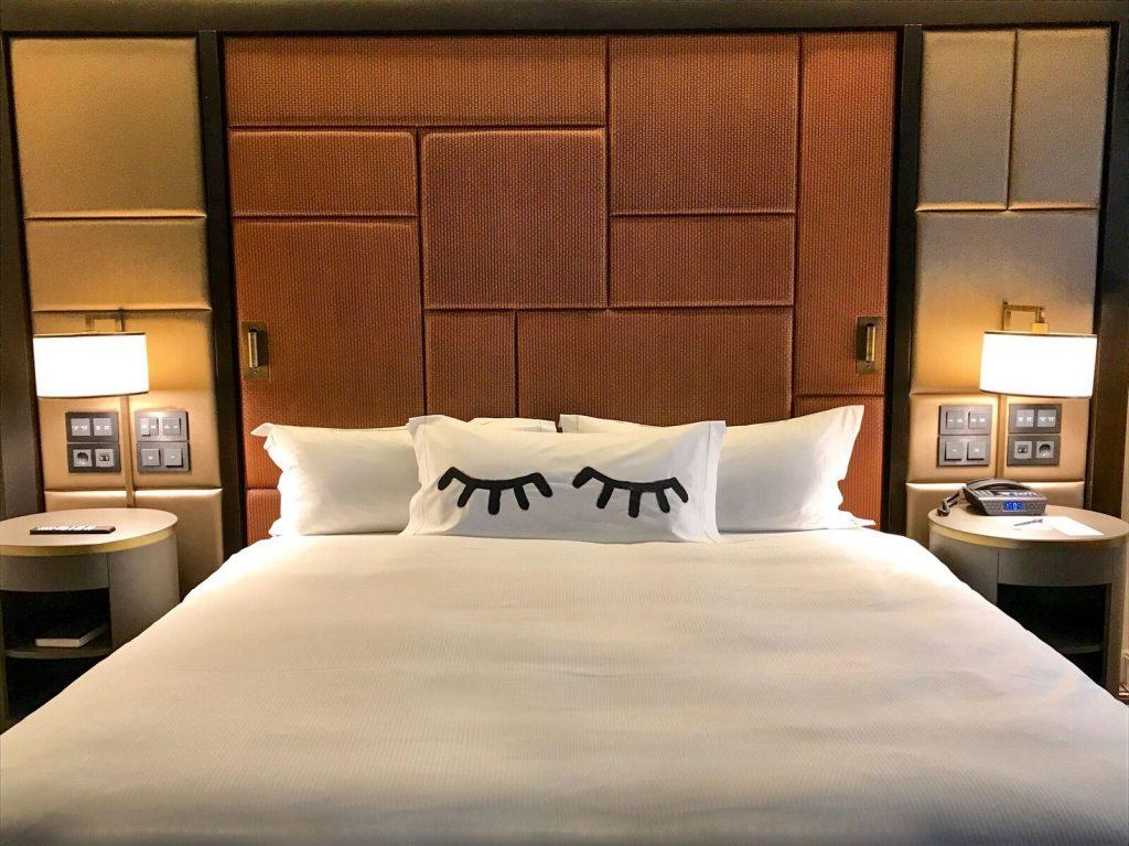 alvásbarát szállodai ágy