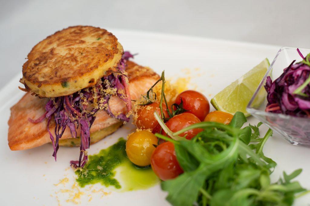 Lazacos burger, Zsolnay Kávéház