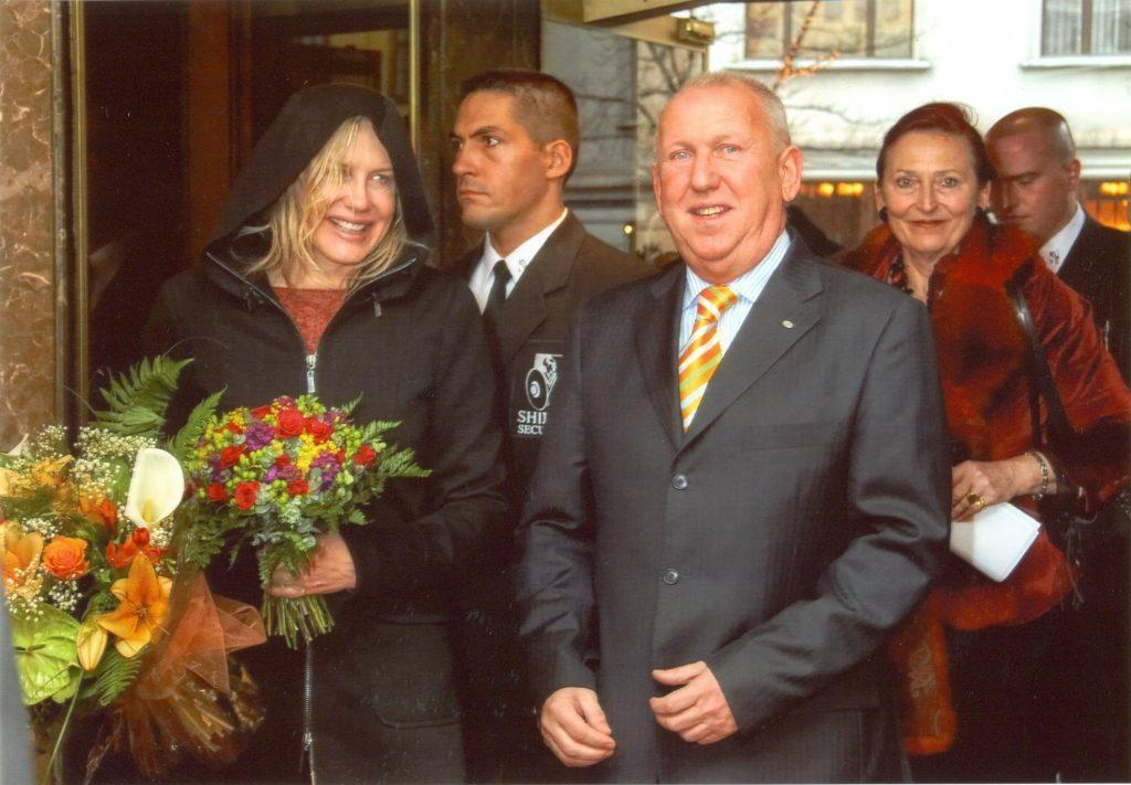 Helen Mirren a Hilton Budapestben Kovács Pál PR igazgatóval