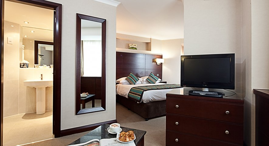 - Danubius+Hotel+Regents+Park - hotel London