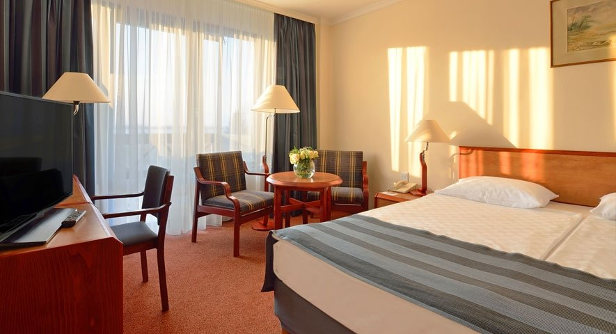 Standard+double+room - Danubius+Health+Spa+Resort+B%C3%BCk - hotel B%C3%BCk