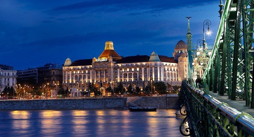 Hotel+from+the+Danube - Danubius+Hotel+Gell%C3%A9rt+ - hotel Budapest