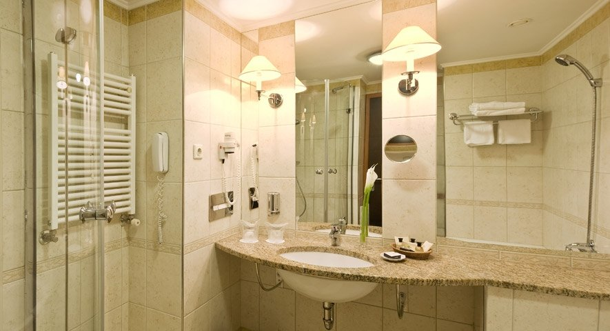 Executive+Junior+Suite+-+Bathroom - Danubius+Health+Spa+Resort+Margitsziget - hotel Budapest