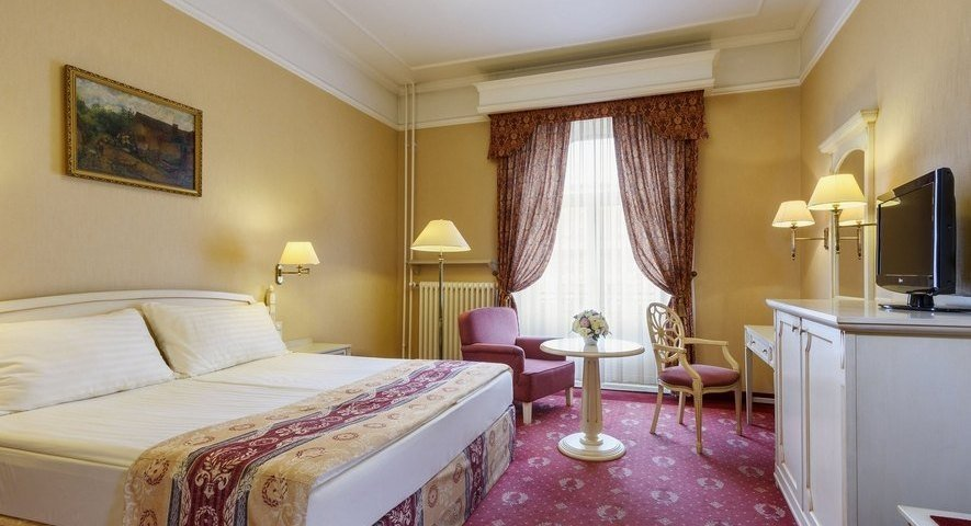 - Danubius Hotel Astoria City Center - hotel Будапешт
