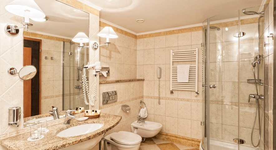 Executive+suite+-+Bathroom - Danubius+Health+Spa+Resort+Margitsziget - hotel Budapest